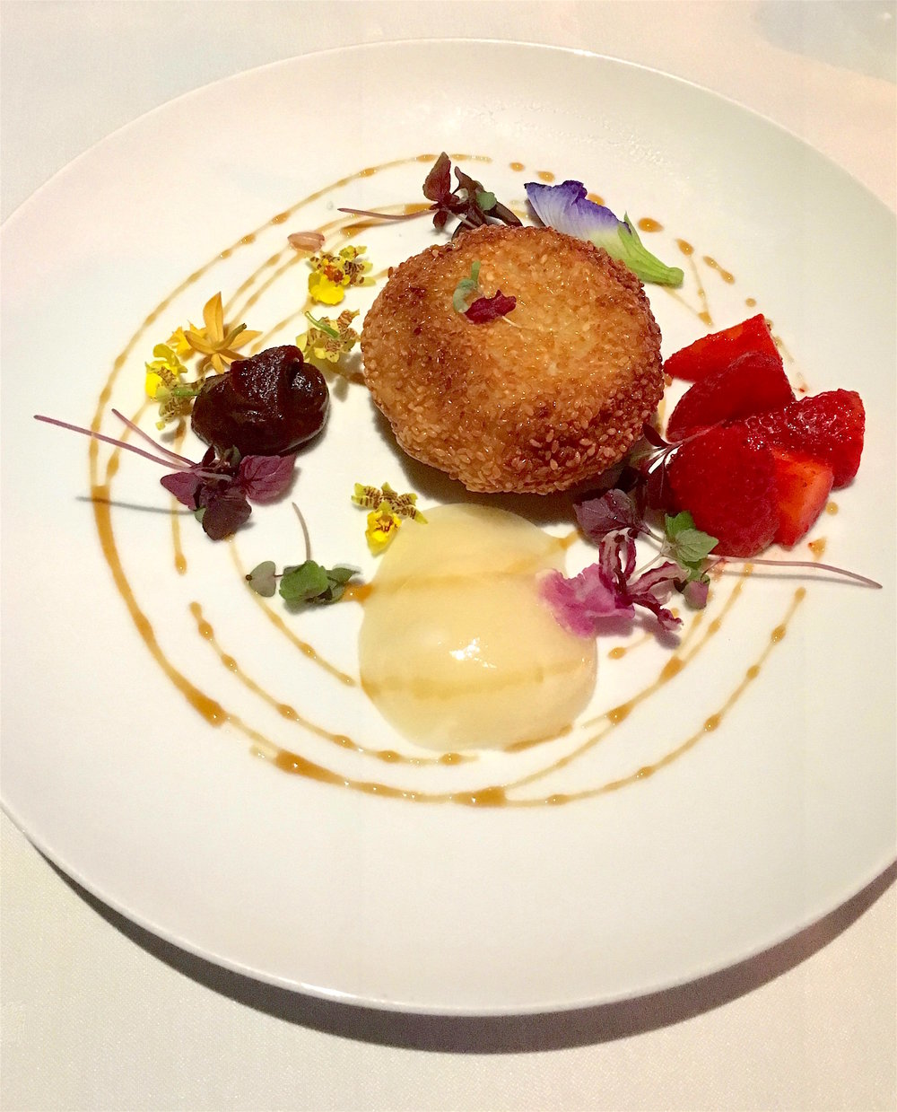 Sesame-encrusted island goat cheese with Waimea strawberries and edible flowers enjoyed {immensely} while partaking in the below view at CanoeHouse...{more below}