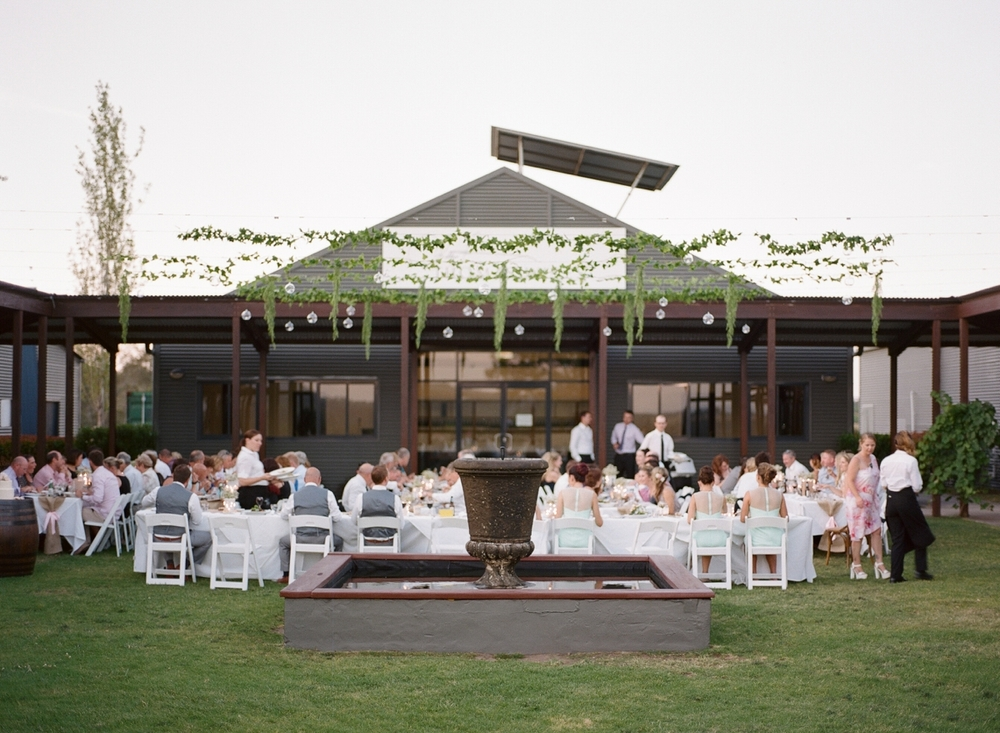 Hunter Valley wedding by Mr Edwards Photography_0737_1059.jpg