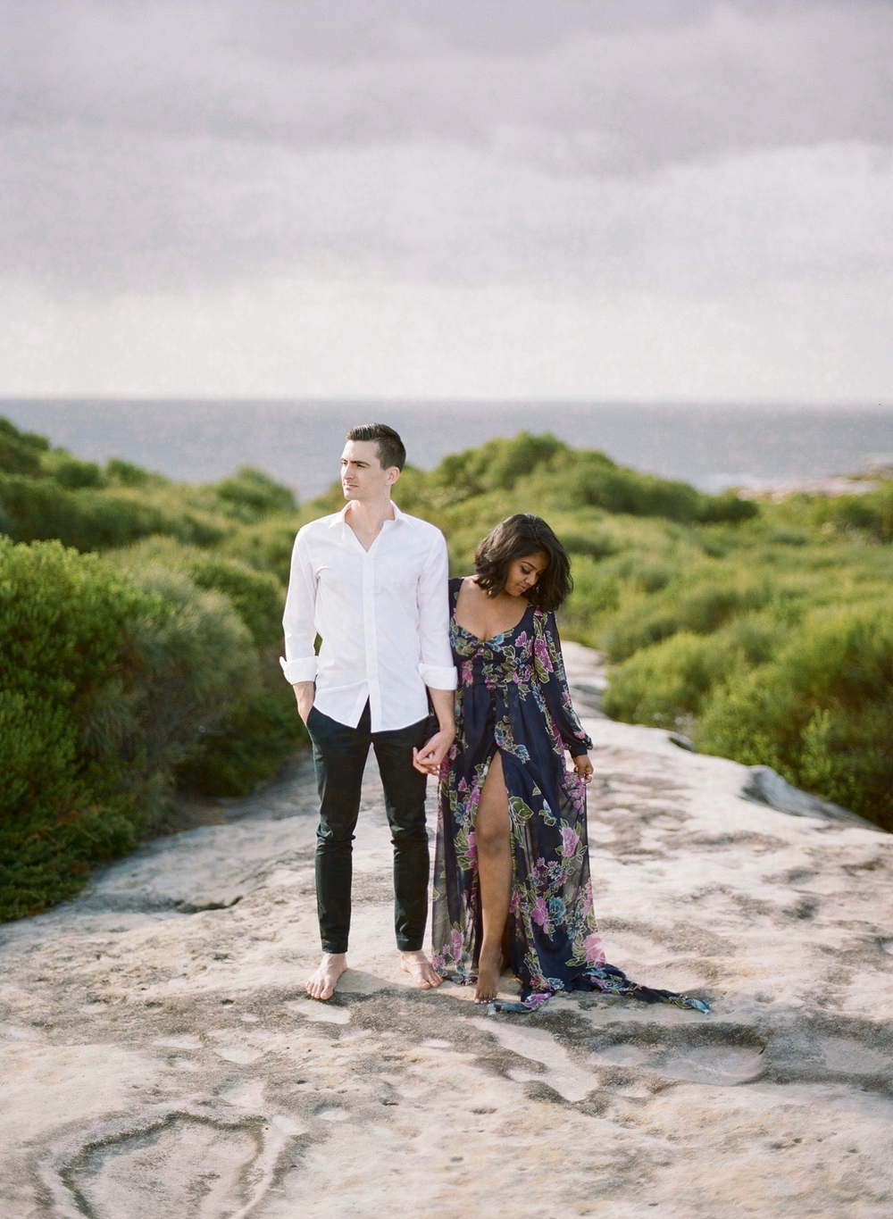 Coastal Sydney couples session by Mr Edwards Photography_0737_1110.jpg