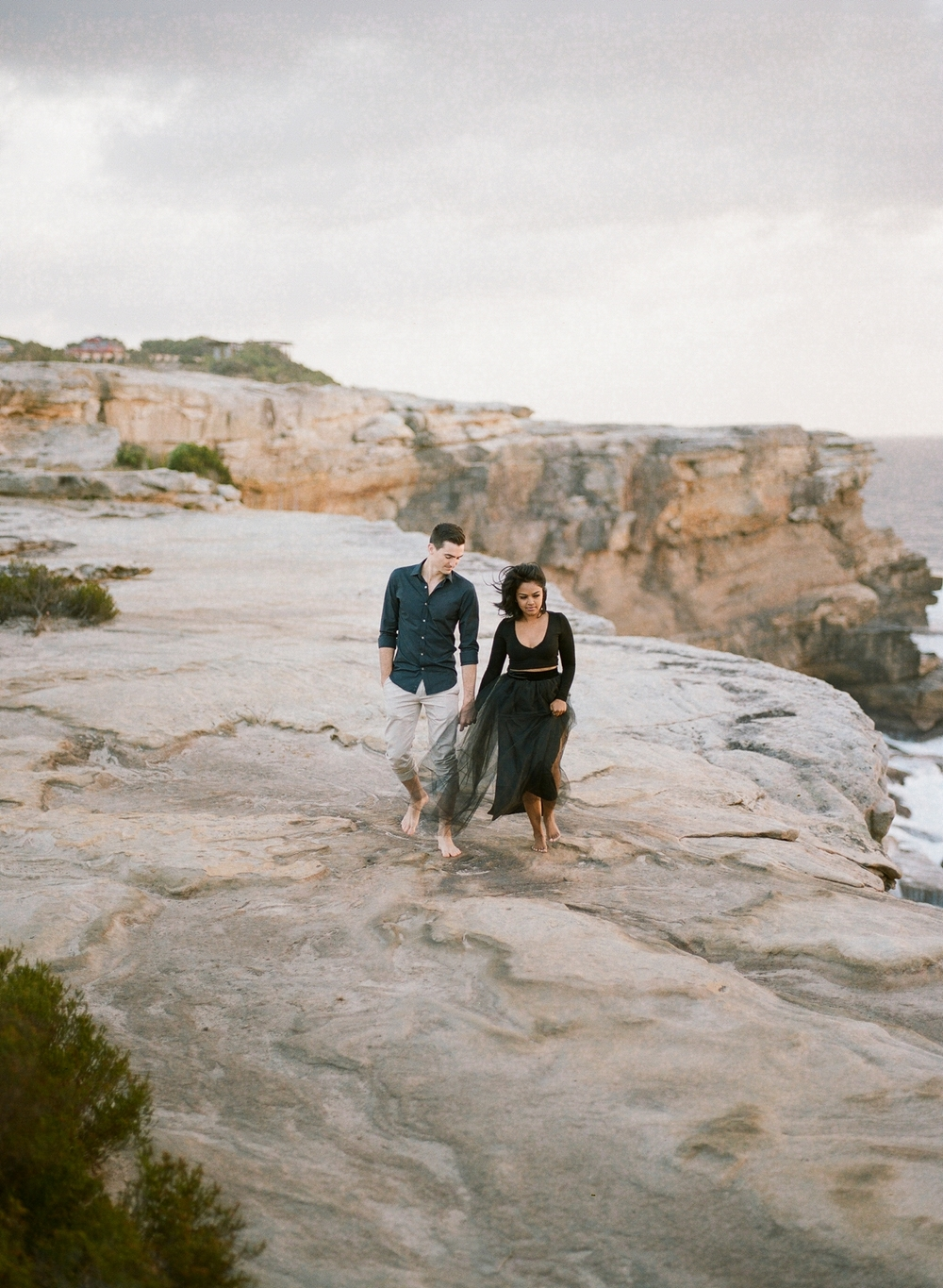 Coastal Sydney couples session by Mr Edwards Photography_0737_1141.jpg