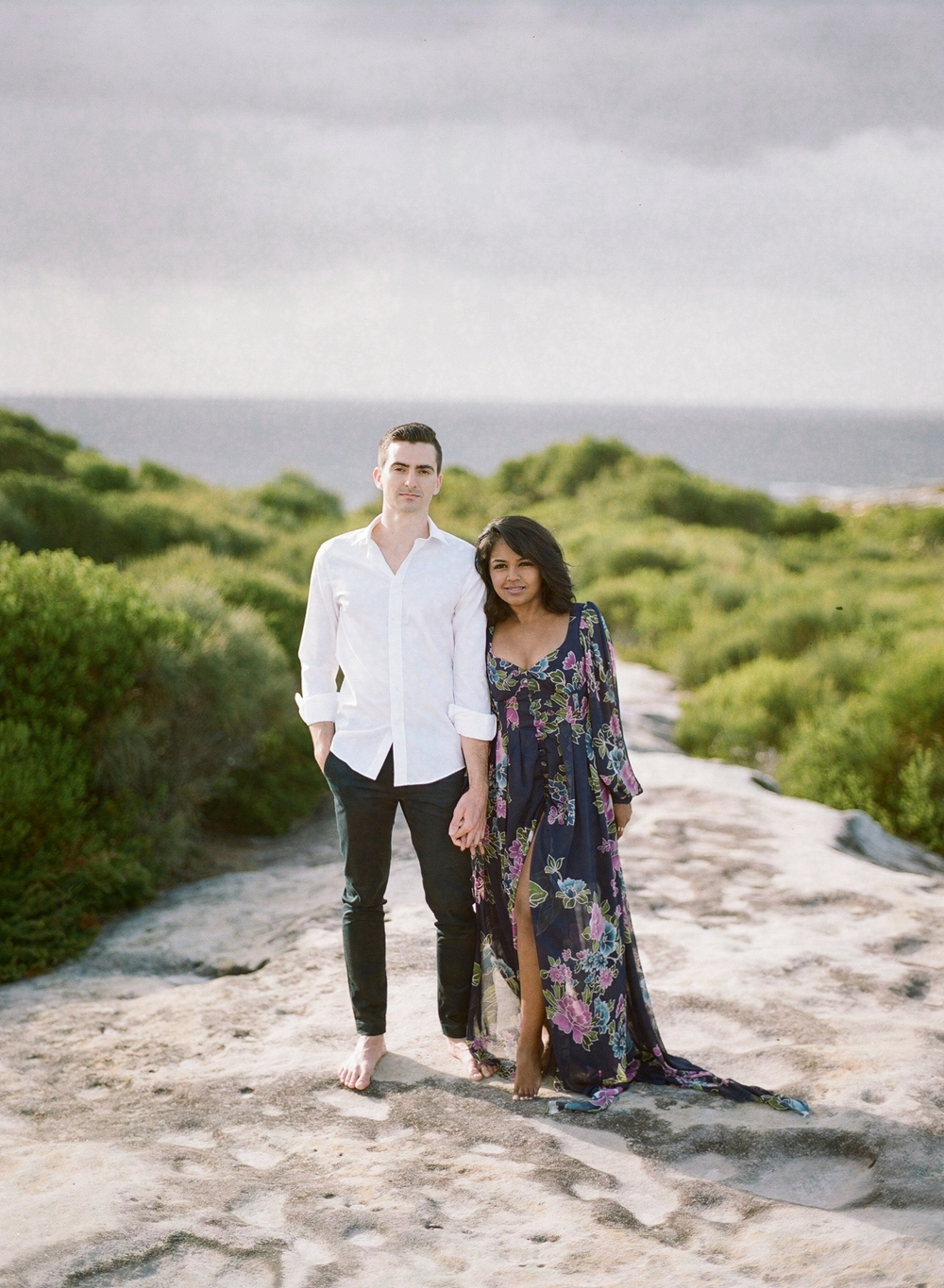 Coastal Sydney couples session by Mr Edwards Photography_0737_1158.jpg