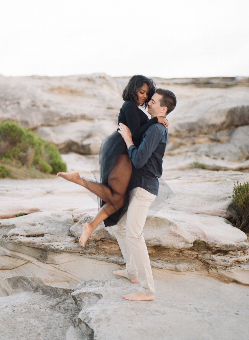 Coastal Sydney couples session by Mr Edwards Photography_0737_1163.jpg