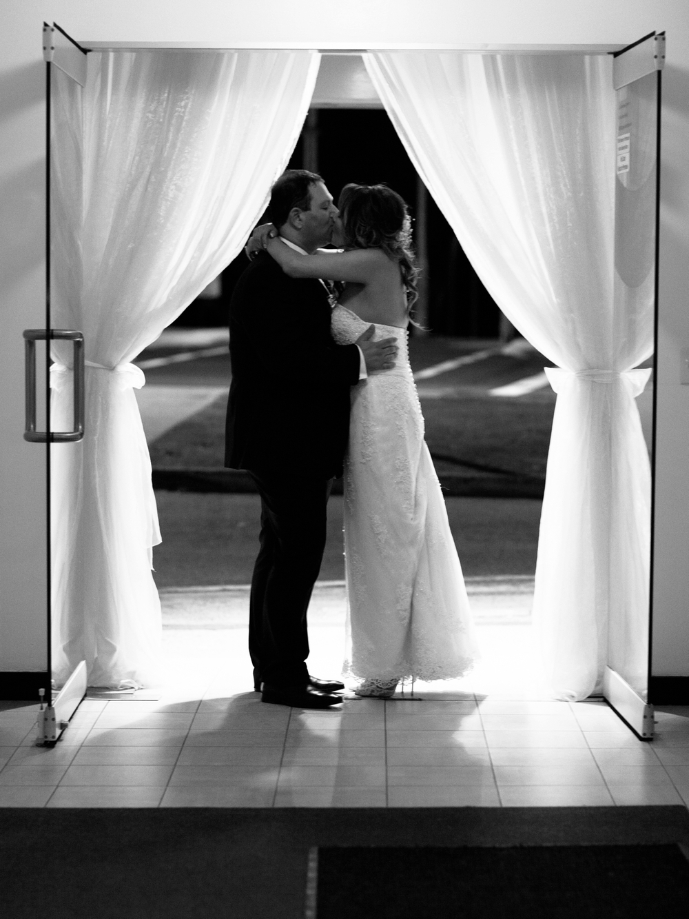 The Vine Grove Mudgee Wedding, Photography by Mr Edwards_2067.jpg