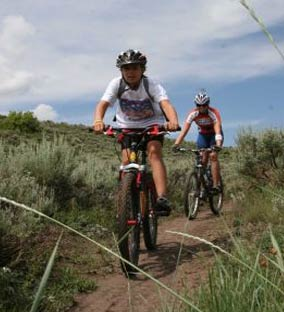 Maui mountain bike riding trails in West Maui and on the slopes of Haleakala.