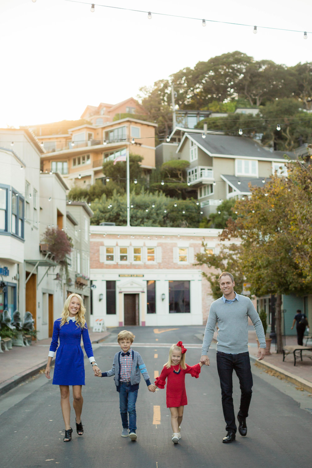 Family of 4 in downtown Tiburon