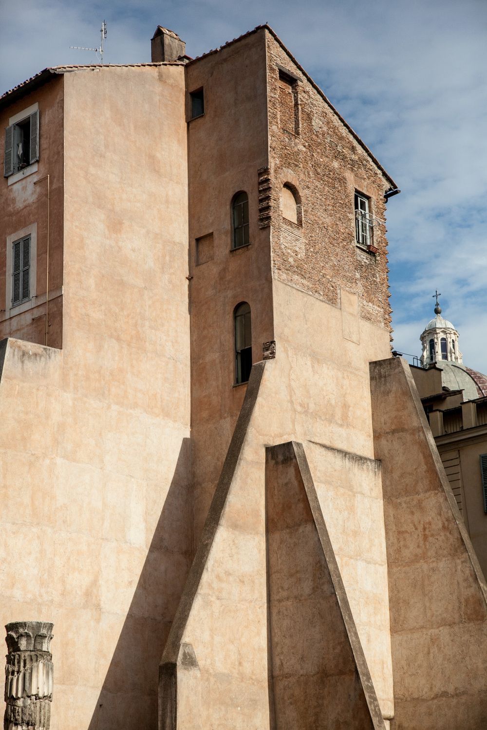 Rome's amazing buildings, wherever you turn your head, there is something to see.
