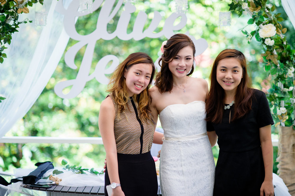 ROM Wedding Bride with friends Bokelicious Photography