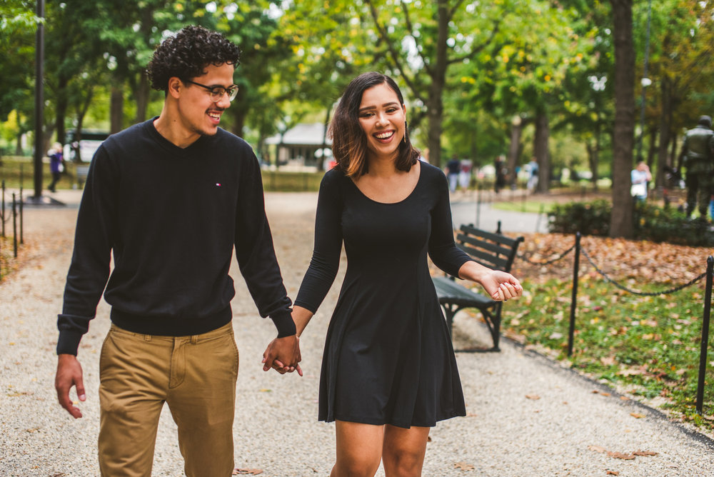 Couple walking close in Washington D.C