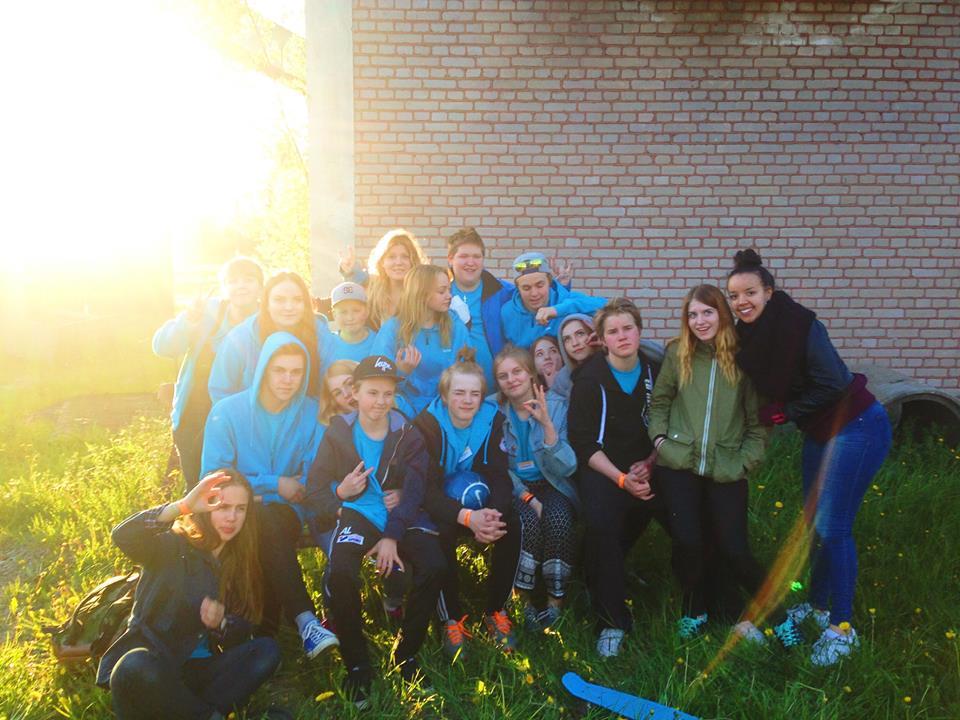 Bild på en del av ungdomarna som jobbade somfunktionärer under #inspNorberg