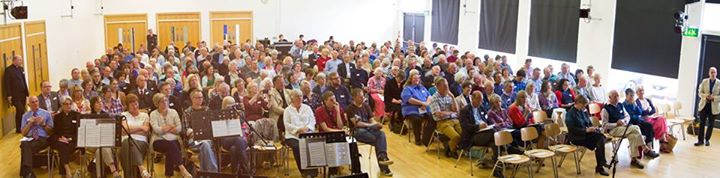 photo by Chris Dobson, Diocese of Bristol. Kim and I are on the right of the photo, third row by the aisle!