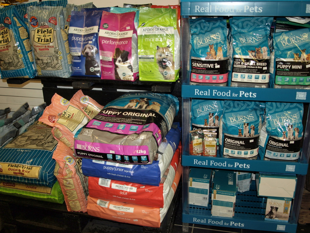 More major brands of dog food