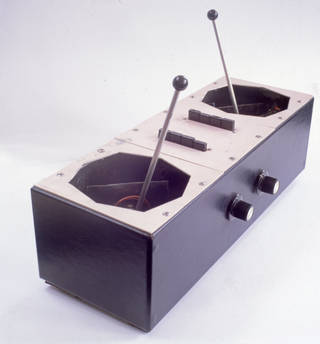 Azimuth co-ordinator used onstage at the Queen Elizabeth Hall, 1967, made by Bernard Speight. Museum no. S.294-1980. © Victoria and Albert Museum, London