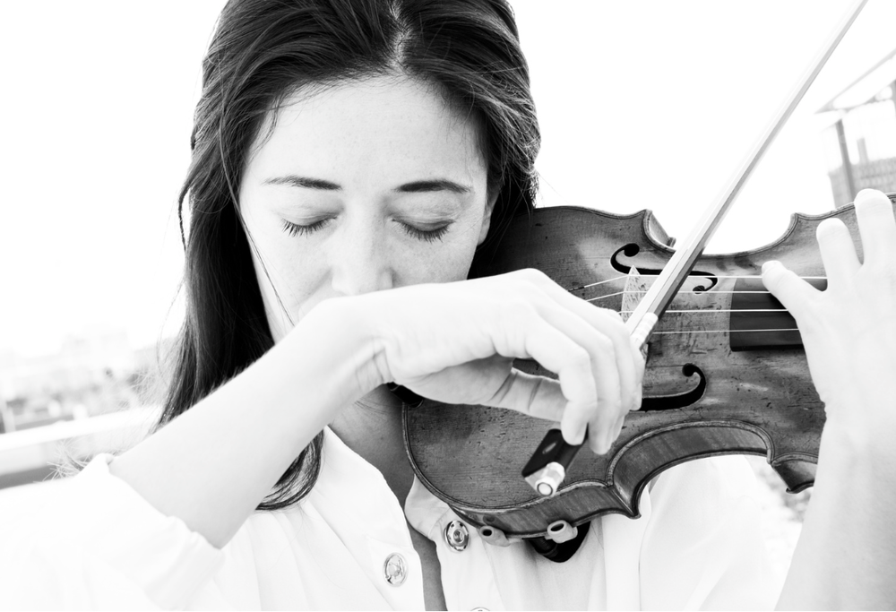 Violinist Ayumi Paul Photo: © Alexander Straulino