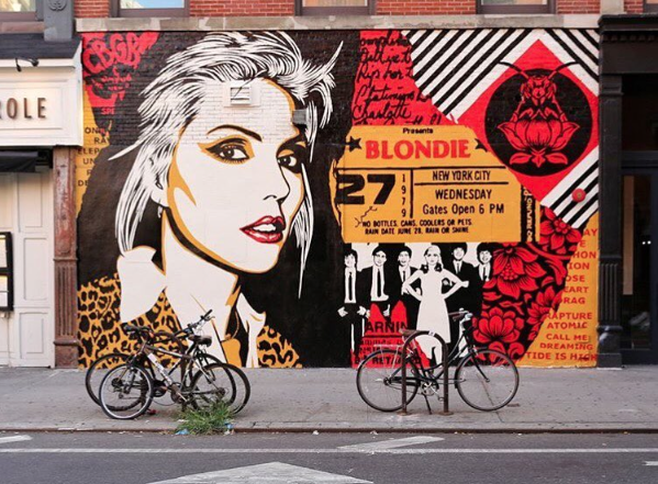 O bey Giant  tribute mural of legend Debbie Harry at  saxonandparole  in East Village, NYC. Supported by  thelisaprojectnyc  . 📷 by  just_a_spectator