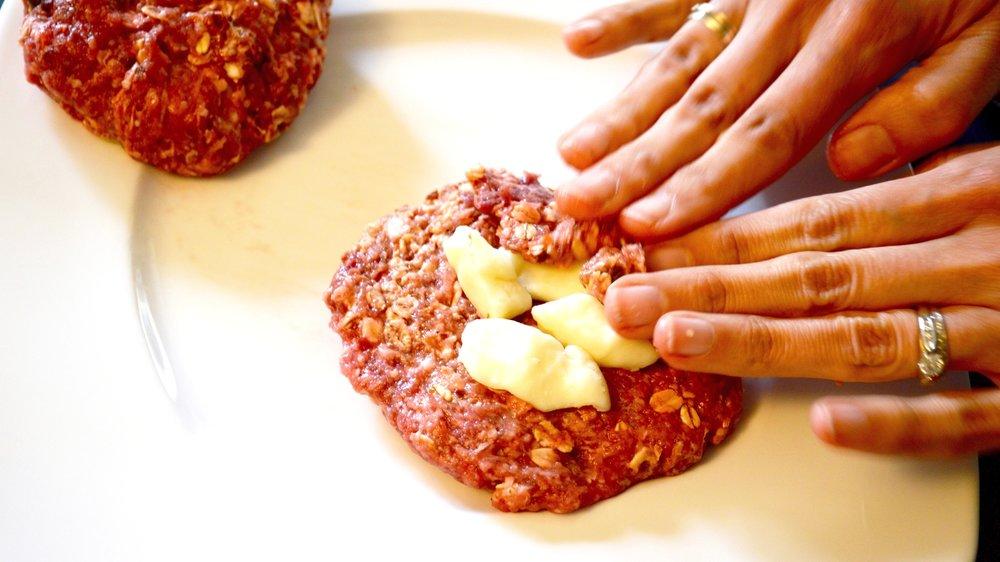 Forming Burgers 1.jpg