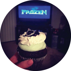 @sjpeters Bubblecake, Frozen, and my best girlfriends make for the most perfect girls' night!