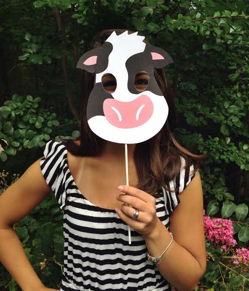 Versatile image with cow costume printable
