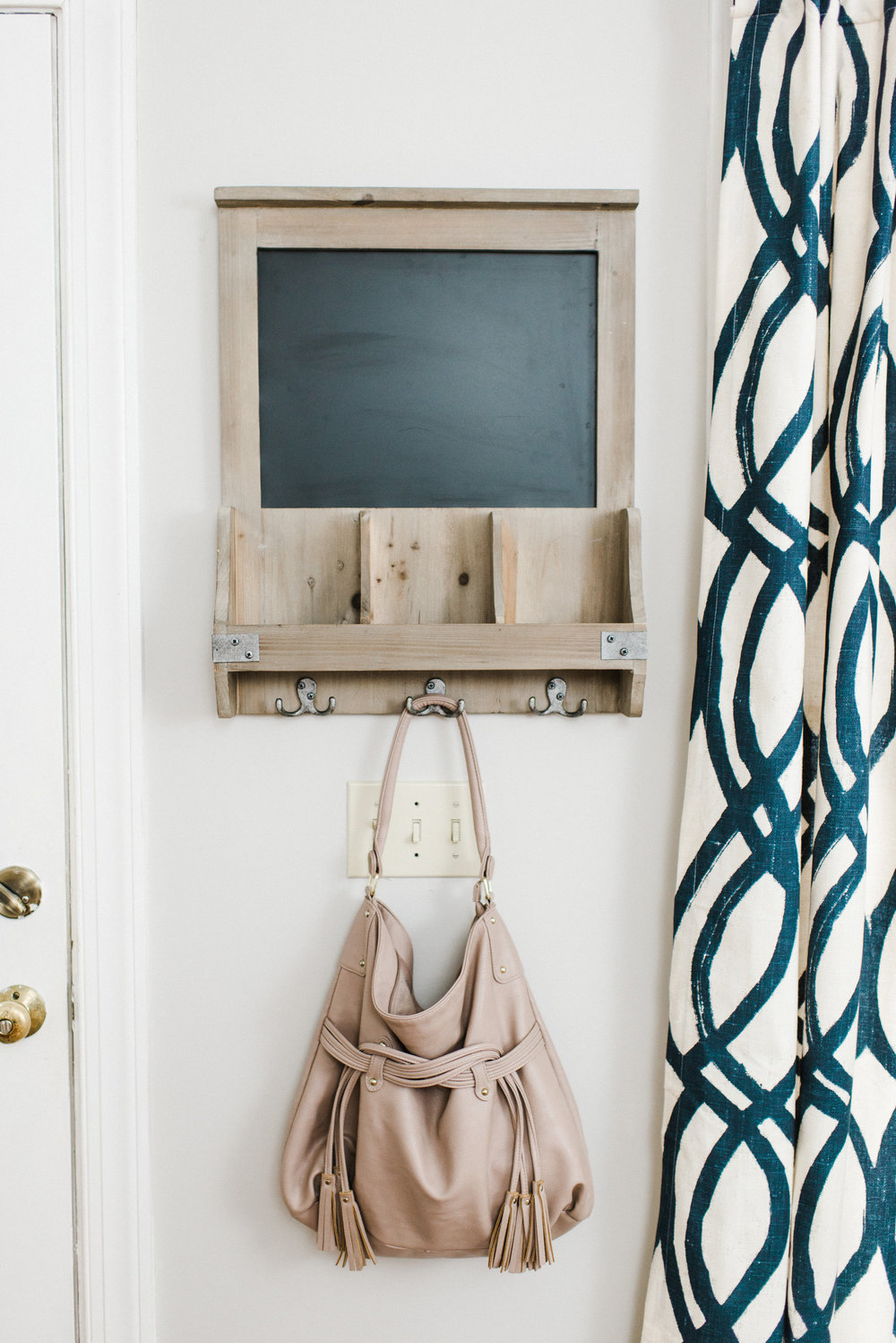 Elle & Company home tour with Michaela Noelle Designs and Andrea Pesce Photography