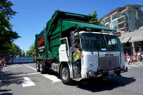 Waste-Management-Garbage-Truck-4th-of-July-2011-Kirkland-4320