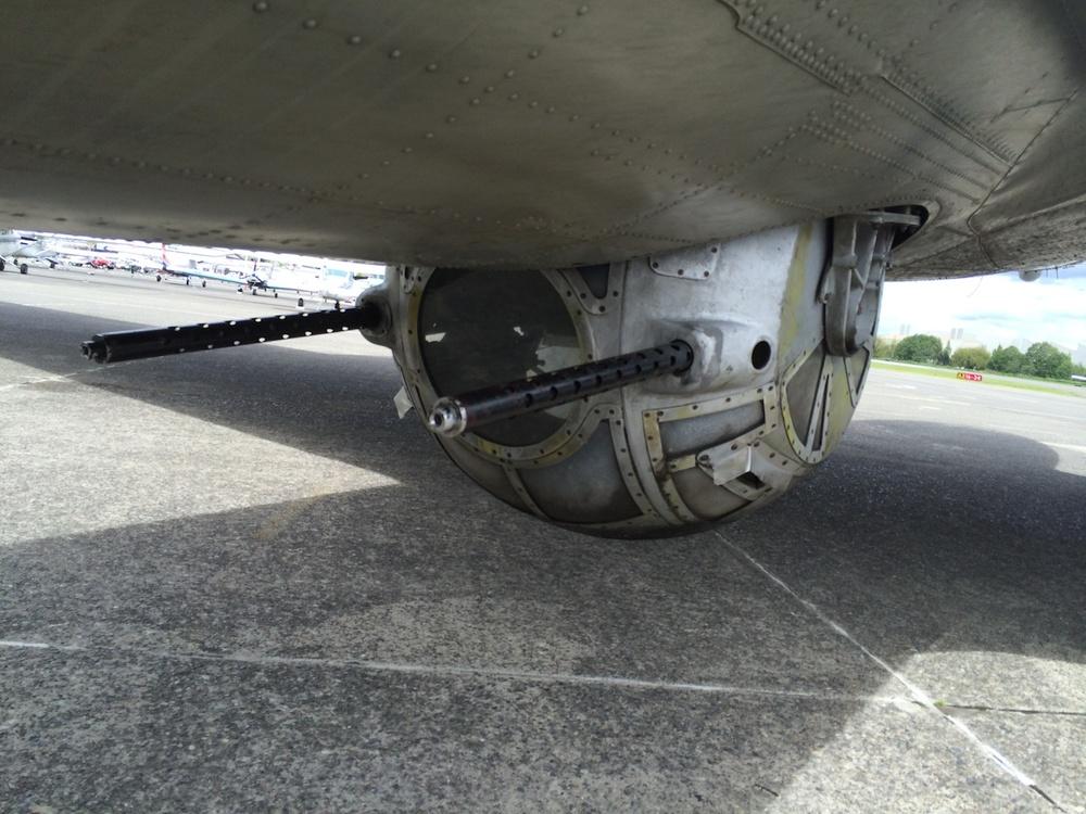 Memphis Belle B-17 WW II Bomber 14009.jpg