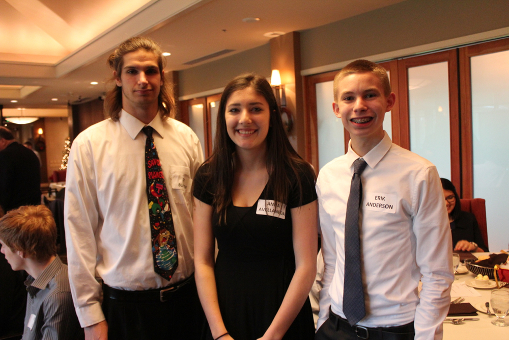 Top studentgroups from East Lake High School's Sammamish Startups class presented their real-world solutions to health care industry challenges at the Sammamish Chamber of Commerce luncheon December 17, 2015