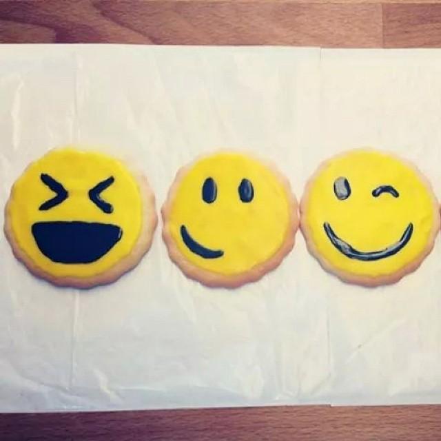 #cute #fairlawn #shopsmall #yum #zlicious #cookies #emoticons