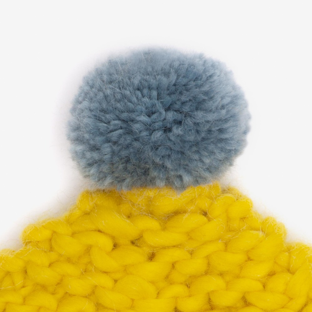 yellow_pompom_hat.jpg
