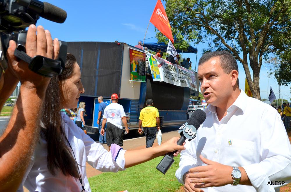 Manifestação reuniu cerca de 500 servidores Foto: Filipe Calmon/ANESP