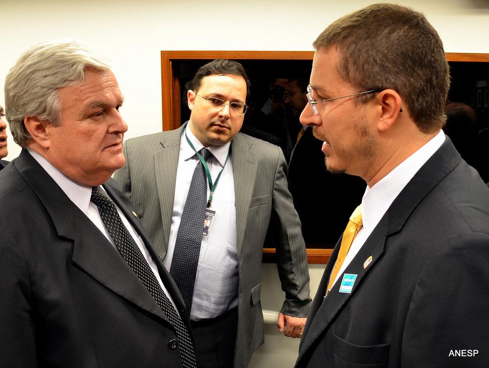 Deputado João Mentor e o Diretor Assuntos Parlamentares e Articulação Institucional da ANESP, Cadu de Azevedo. Foto: Filipe Calmon/ANESP