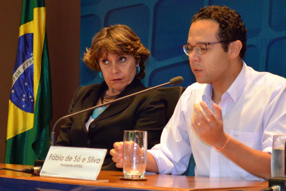 Fábio: intermediador e anfitrião do evento. Foto: Filipe Calmon / ANESP