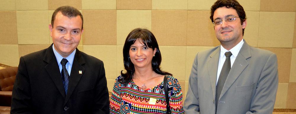 Da esquerda à direita: João Aurélio (Presidente da ANESP), Ana Mesquita e Alex Canuto (Diretor Jurídico da ANESP). Foto: Filipe Calmon / ANESP