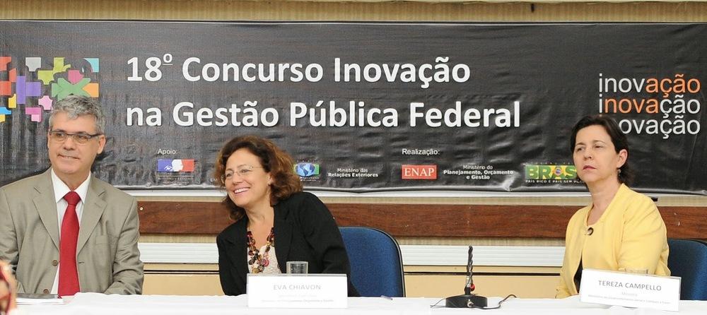 Presidente da Enap, Paulo Carvalho, Secretária-Executiva do Ministério do Planejamento, Eva Chiavon, eMinistra do Desenvolvimento Social e Combate à Fome, Tereza Campello. Foto: ENAP