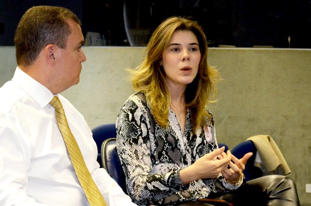 Advogada Julia Pauro respondeu a cada uma das perguntas. Foto: Filipe Calmon / ANESP