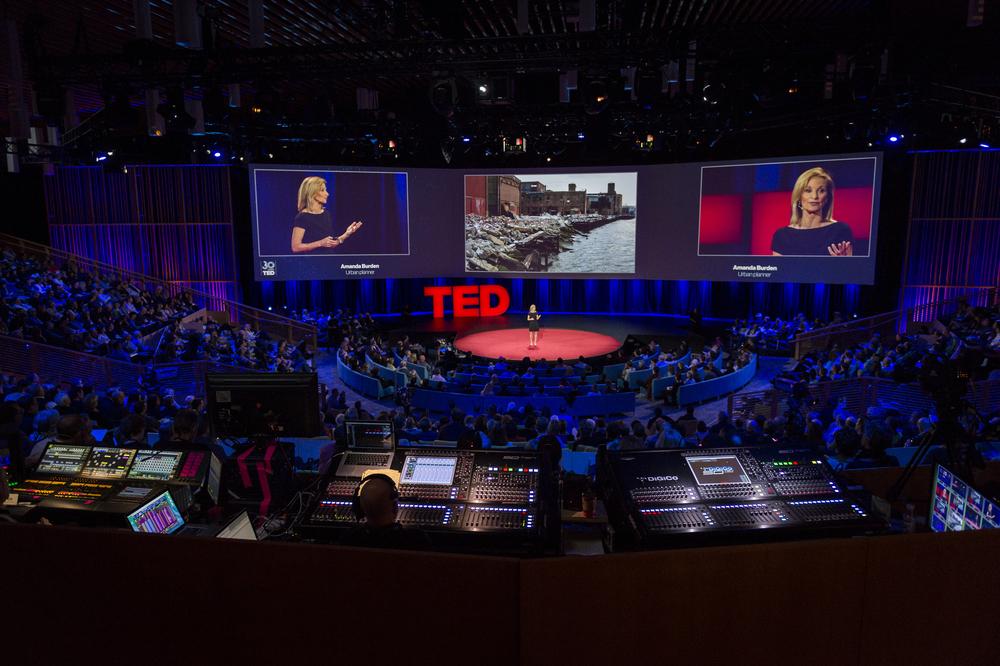 As exibições do TEDGlobal são concorridas e repercutem por todo o mundo na velocidade da web. Foto: TED