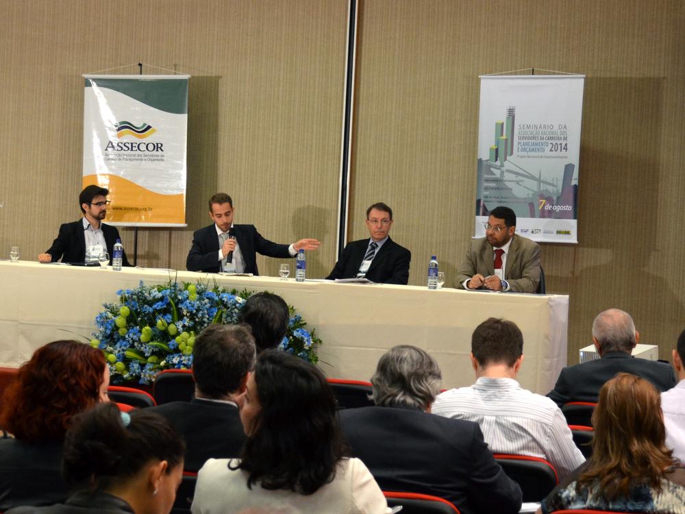 O primeiro debate teve o crescimento anual da economia e a inflação como temas centrais. Foto: Filipe Calmon / ANESP