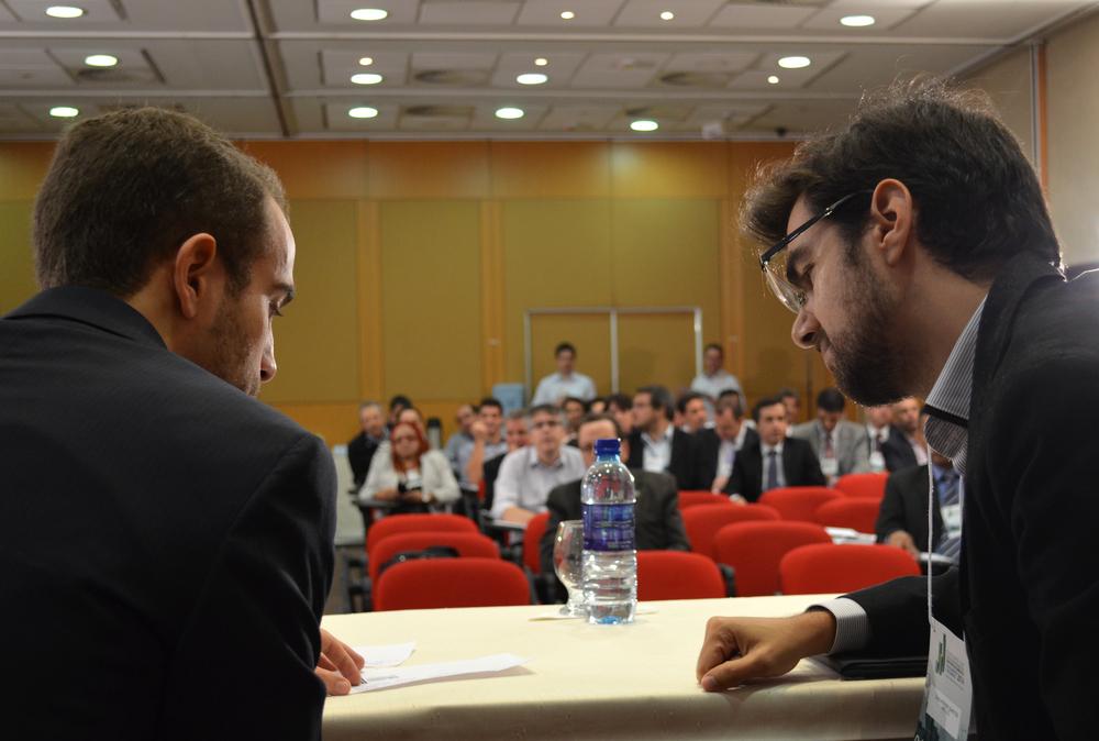A interação entre os ouvintes e os debatedores se deu em alto nível.Foto:Filipe Calmon / ANESP
