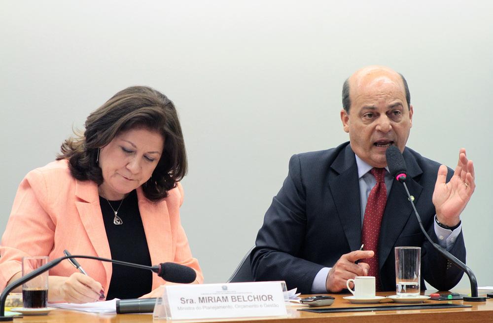 Miriam Belchior - Ministra do MPOG / Dep. Roberto Santiago Foto: Viola Jr. - Câmara dos Deputados
