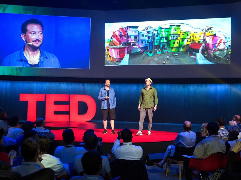Dre Urhahn e Jeroen Koolhaas em apresentação no TED. Foto:James Duncan Davidson/TED