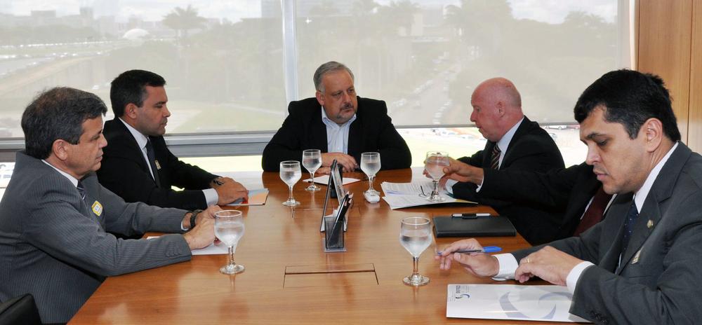 Líderes do Fonacate em encontro com o ministro Berzoine. Foto:Thamyres Ferreira - SRI/PR