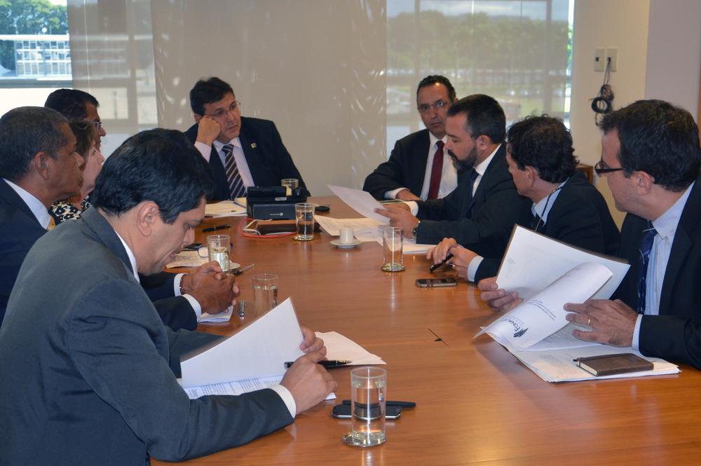 Estudo foi entreguepara o secretário-executivo da SRI da Presidência da República. Foto: ANFIP