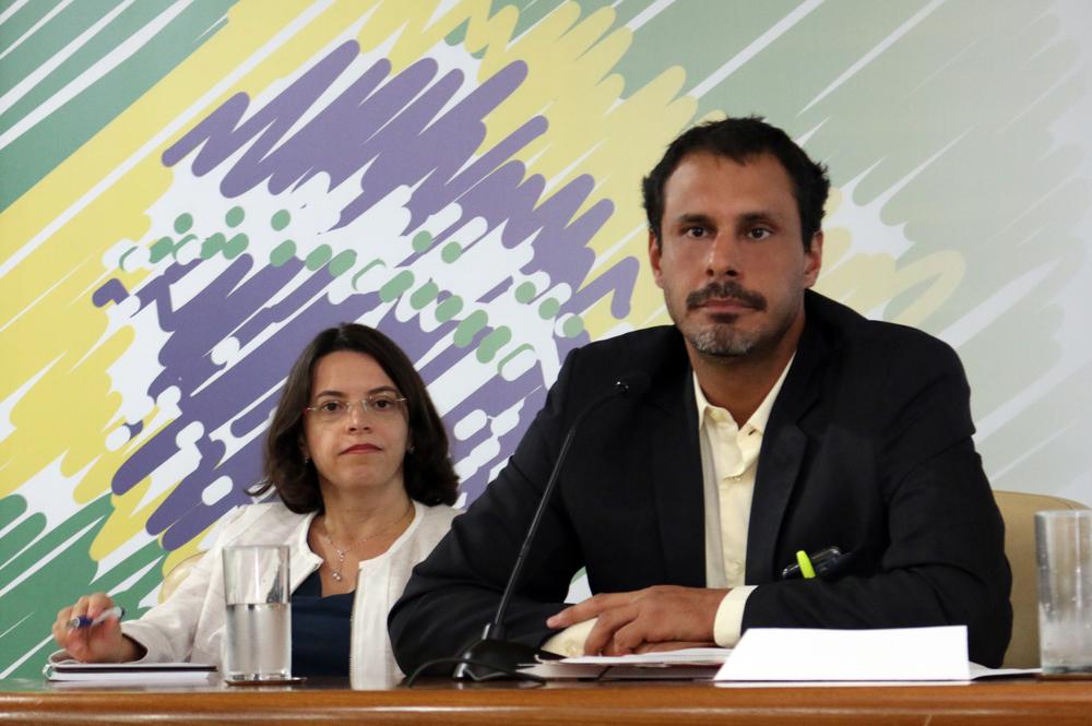 Paula Lima, Andrei Soares - AGE 13-03-2015 - MP - Filipe Calmon - ANESP.jpg
