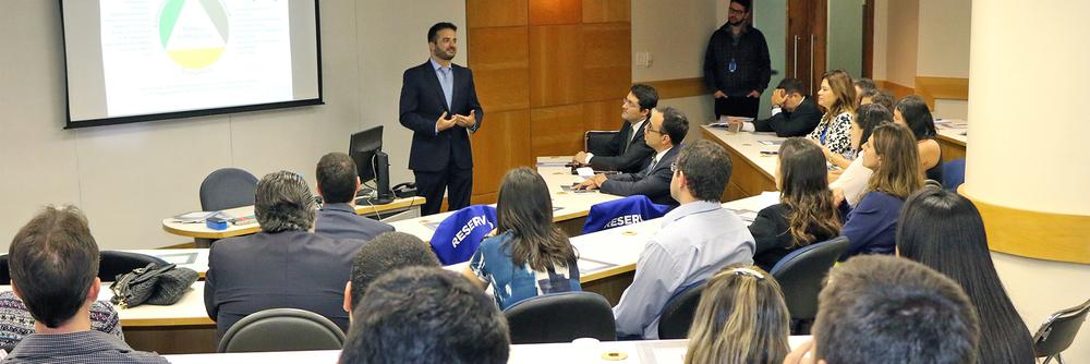 O associado Renato Cader palestrou sobre sua experiência em Compras Públicas Sustentáveis. Foto: Filipe Calmon / ANESP