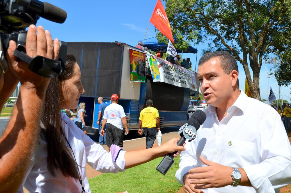 Presidente da ANESP, João Aurélio, em entrevista ao SBTdurante ato de mobilização