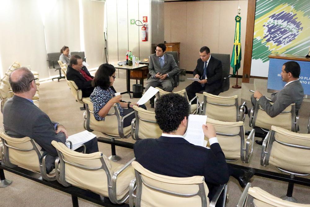 O PresidenteJoão Aurélio, ladeado pelos Diretores Alex Canuto e Andrei Soares. Foto: Filipe Calmon / ANESP