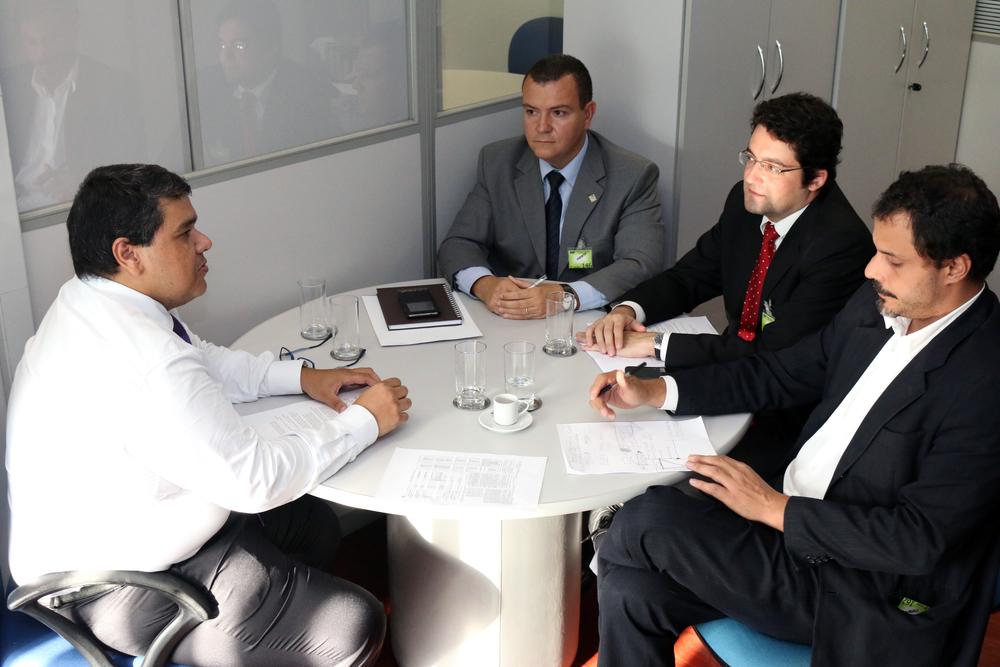 Tito Fróes reunido com João Aurélio, Alex Canuto e Andrei Soares,Diretor de Assuntos Profissionais da ANESP.