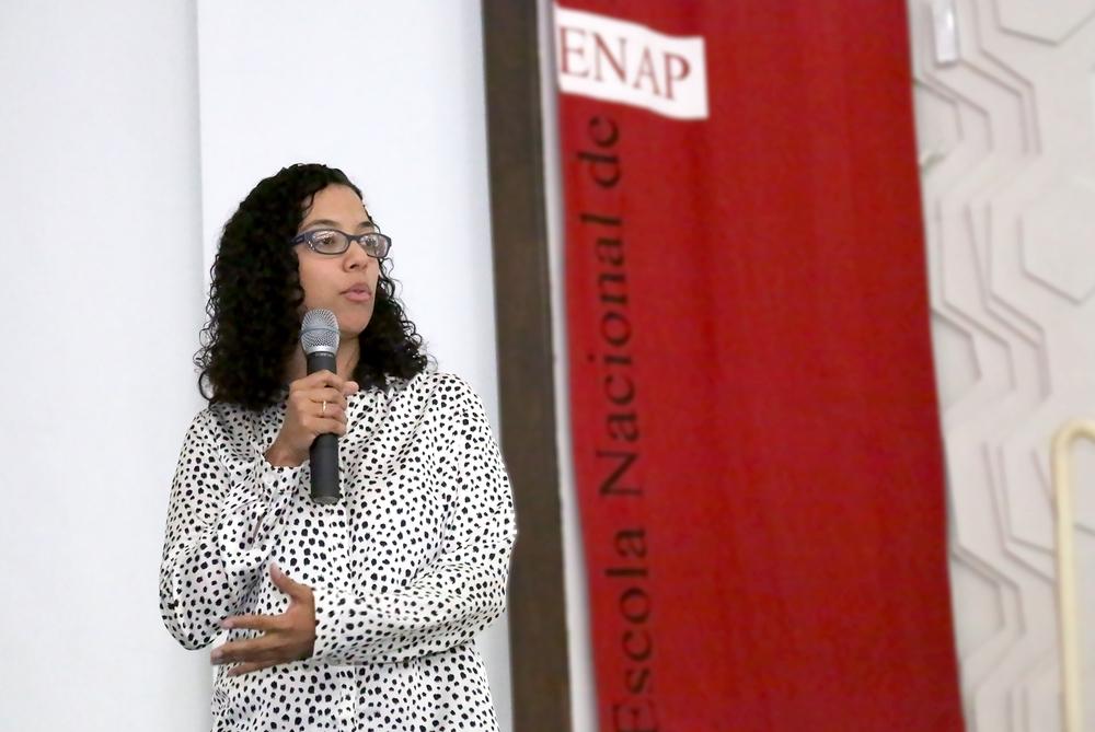 1 Mariana Fontoura - Info Session Columbia & Lemann Fellowship.jpg