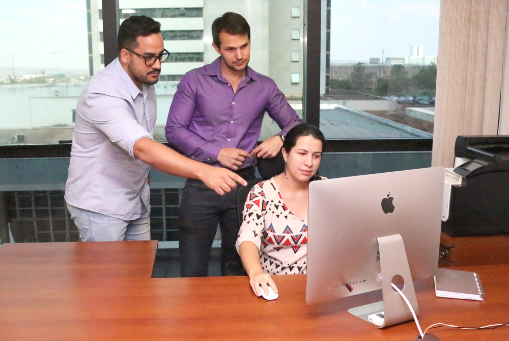 Da esquerda para a direita: Filipe Calmon, Assessor de Comunicação;Paulo Brunet, Coordenador Executivo;e Diana Lima, Assistente Administrativa
