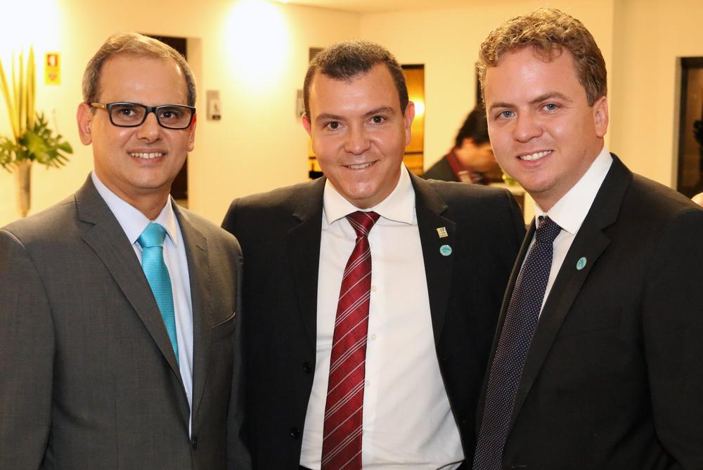 Sylvio Costa, João Aurélio e Matheus Silva.