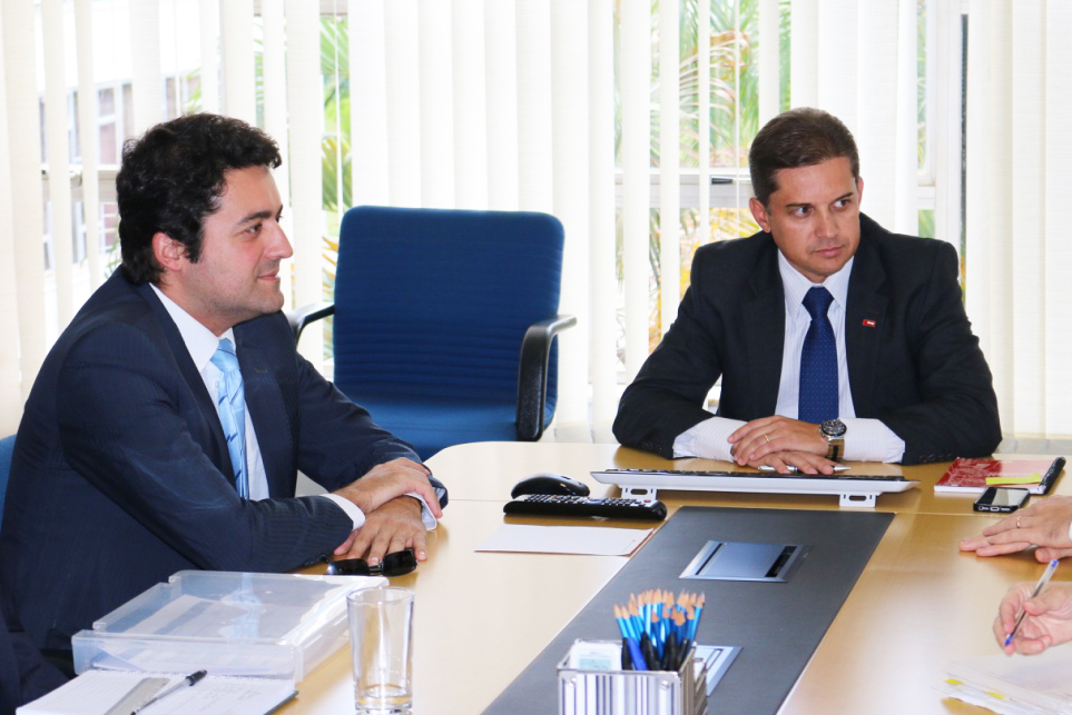 Os Presidentes da ANESP, Alex Canuto, e da Enap, Gleisson Rubin
