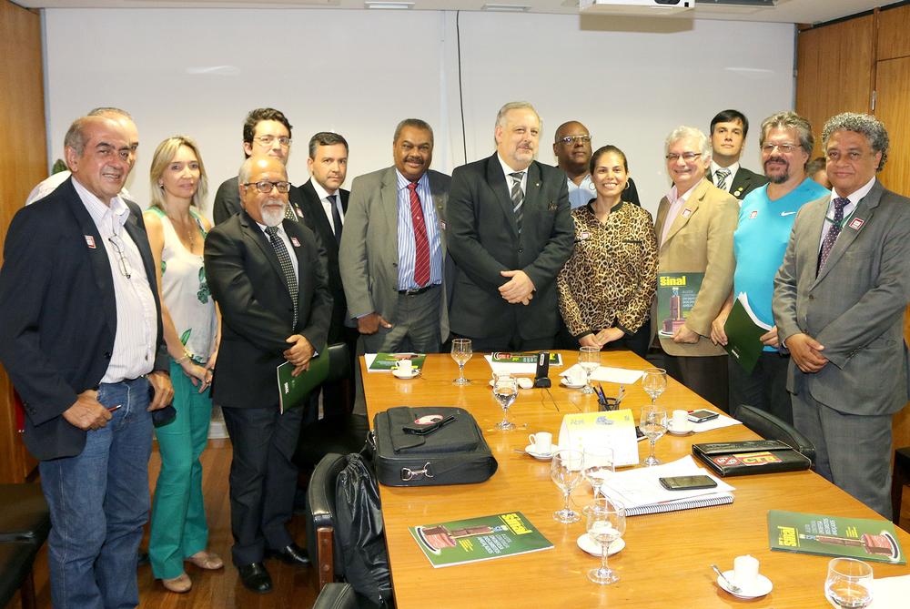 Ministro Ricardo Berzoini recebe o Presidente da ANESP e outras lideranças sindicais.